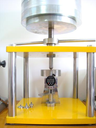 Compressibility & amp; Maszyna do testowania odzyskiwania
